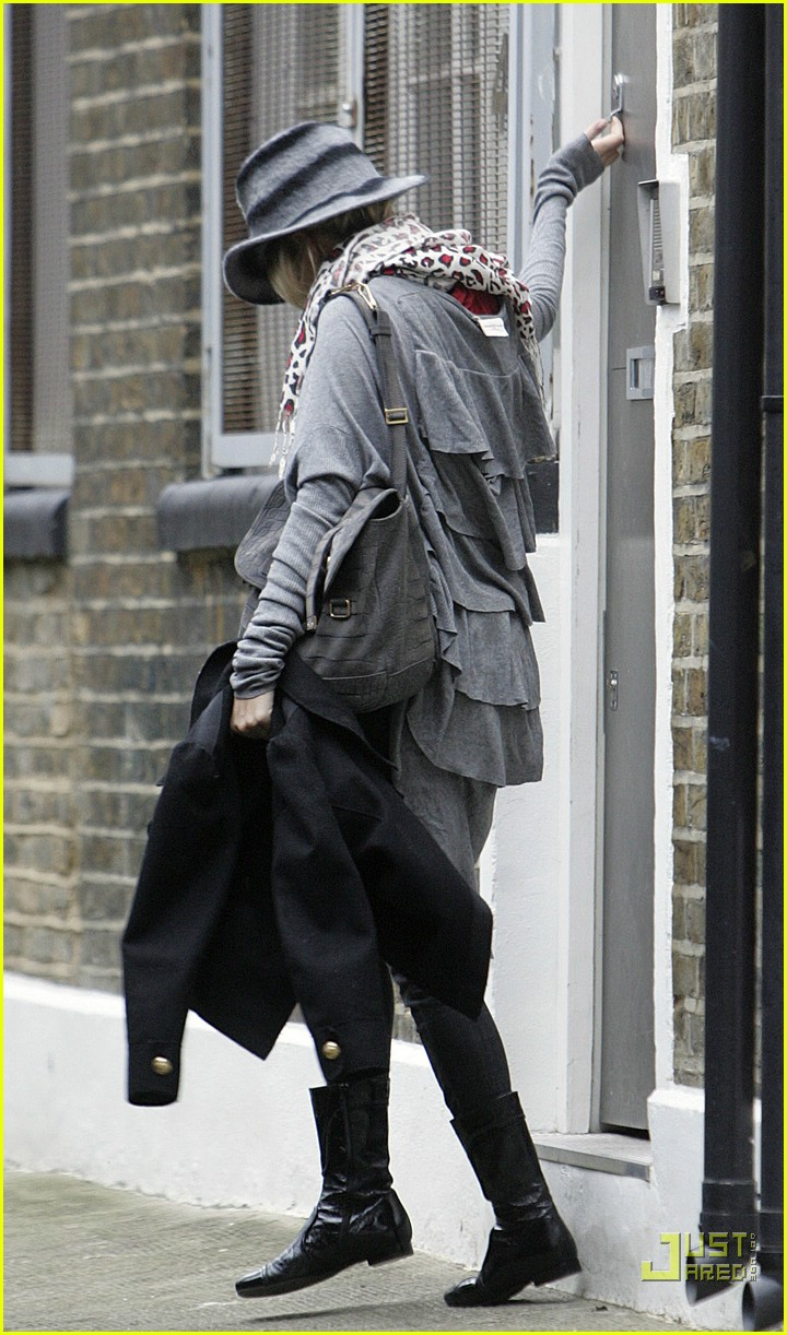 sienna miller professional dog walker 08