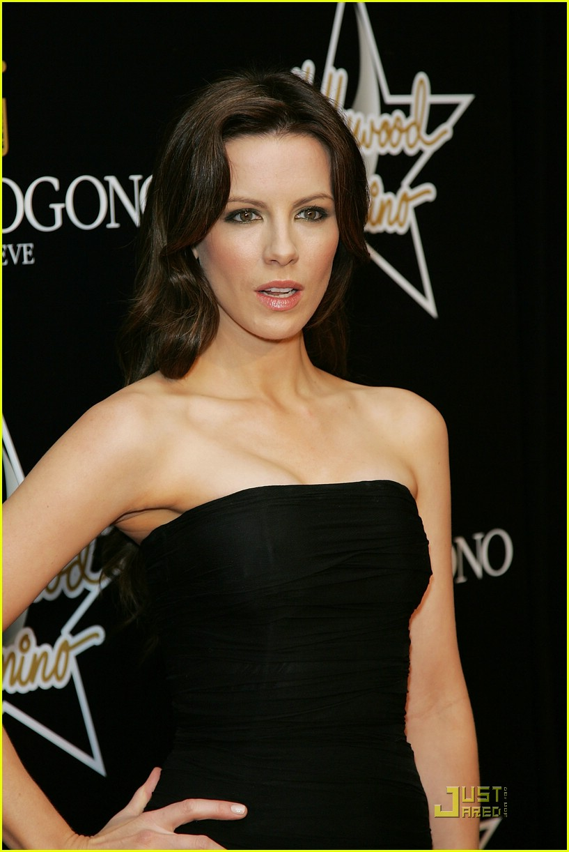 kate beckinsale pre oscars party 10