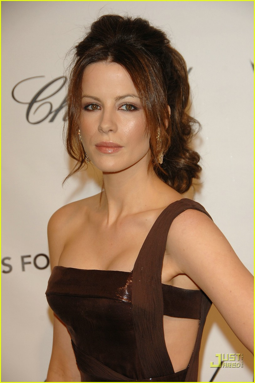 Kate Beckinsale's Versace Face-Off: Photo 955411 | Fashion Faceoff ... Kate Beckinsale