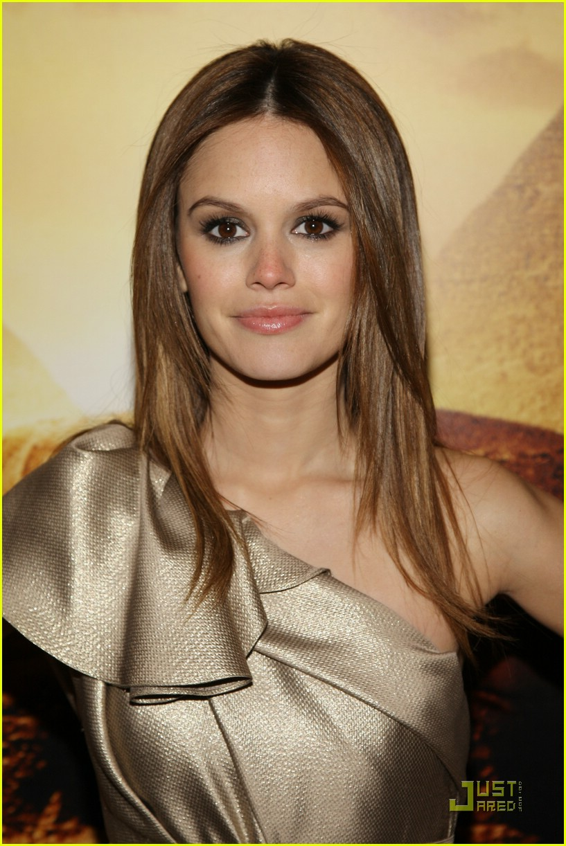 rachel bilson jumper premiere 06
