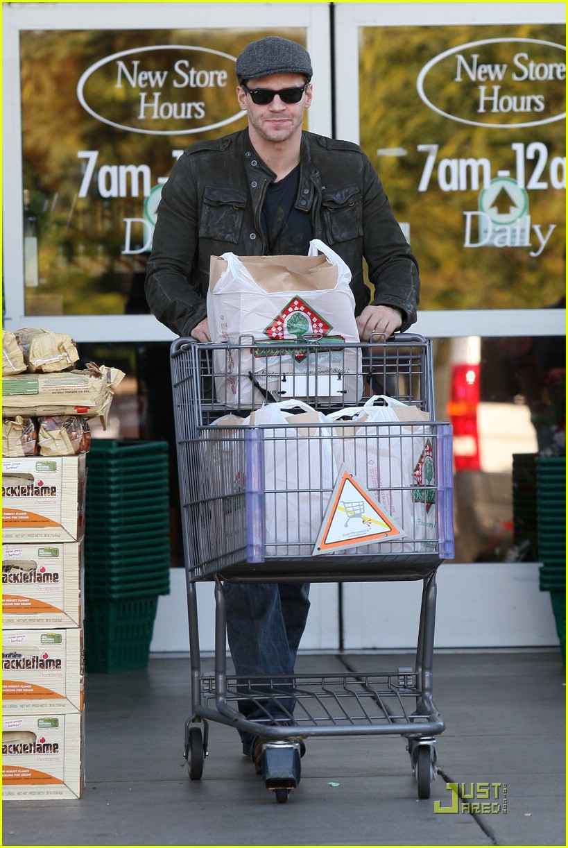 david boreanaz grocery shopping 01917661