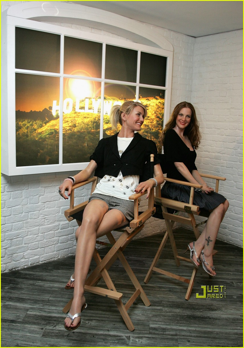 cameron diaz drew barrymore wax museum 04