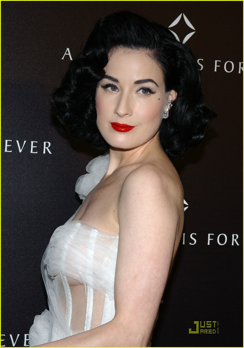dita von teese diamond dinner 11