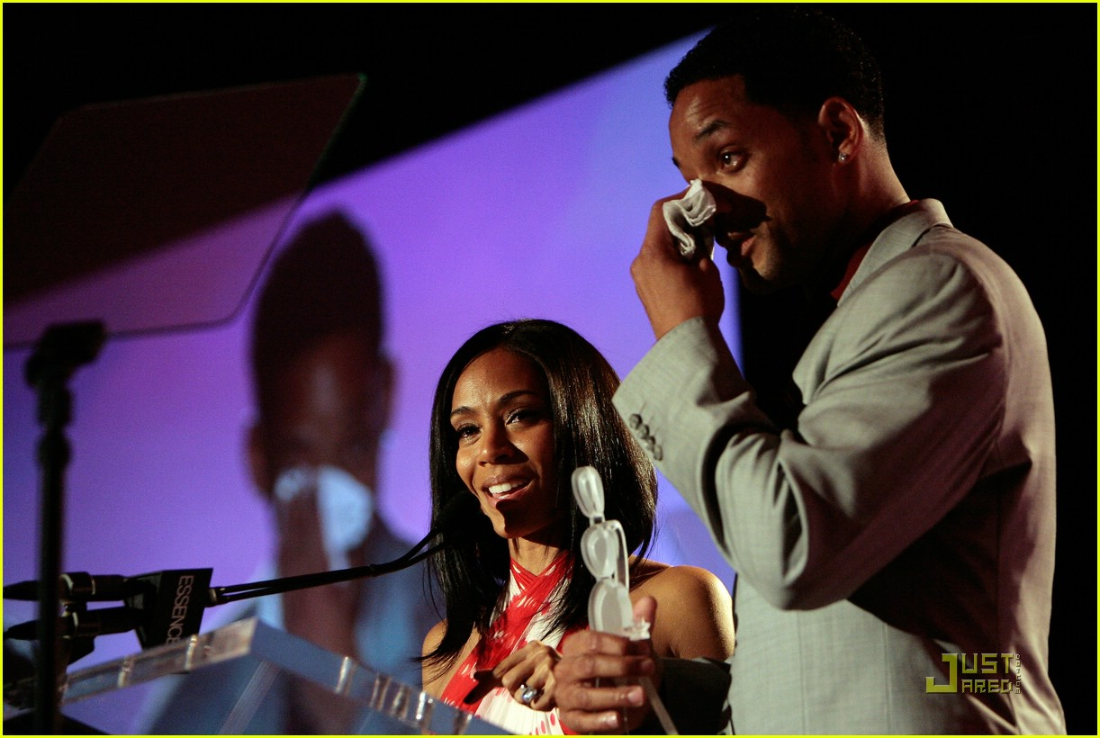 jada pinkett smith honored by essence 32