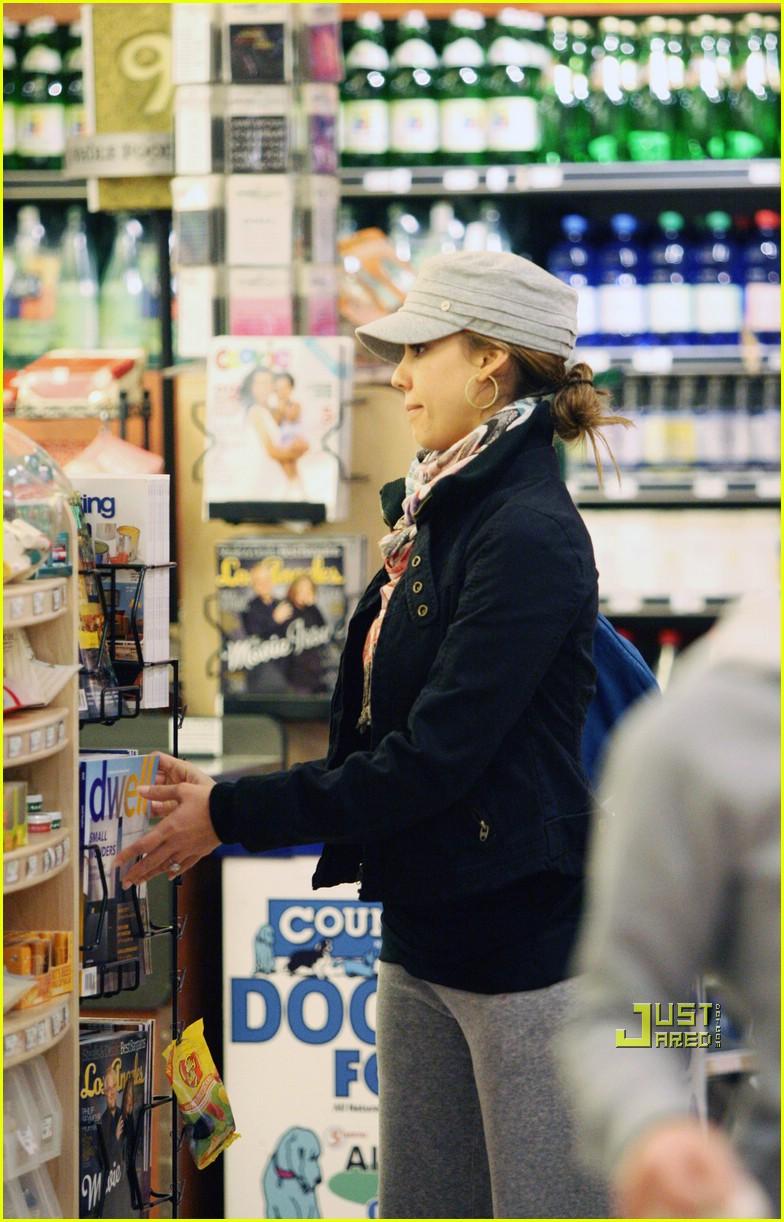 jessica alba groceries 01
