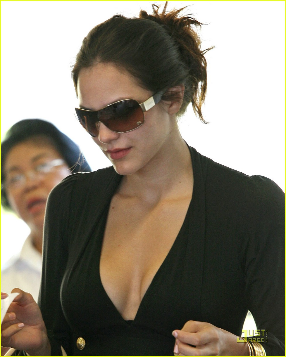 katharine mcphee honeymoon 02927041