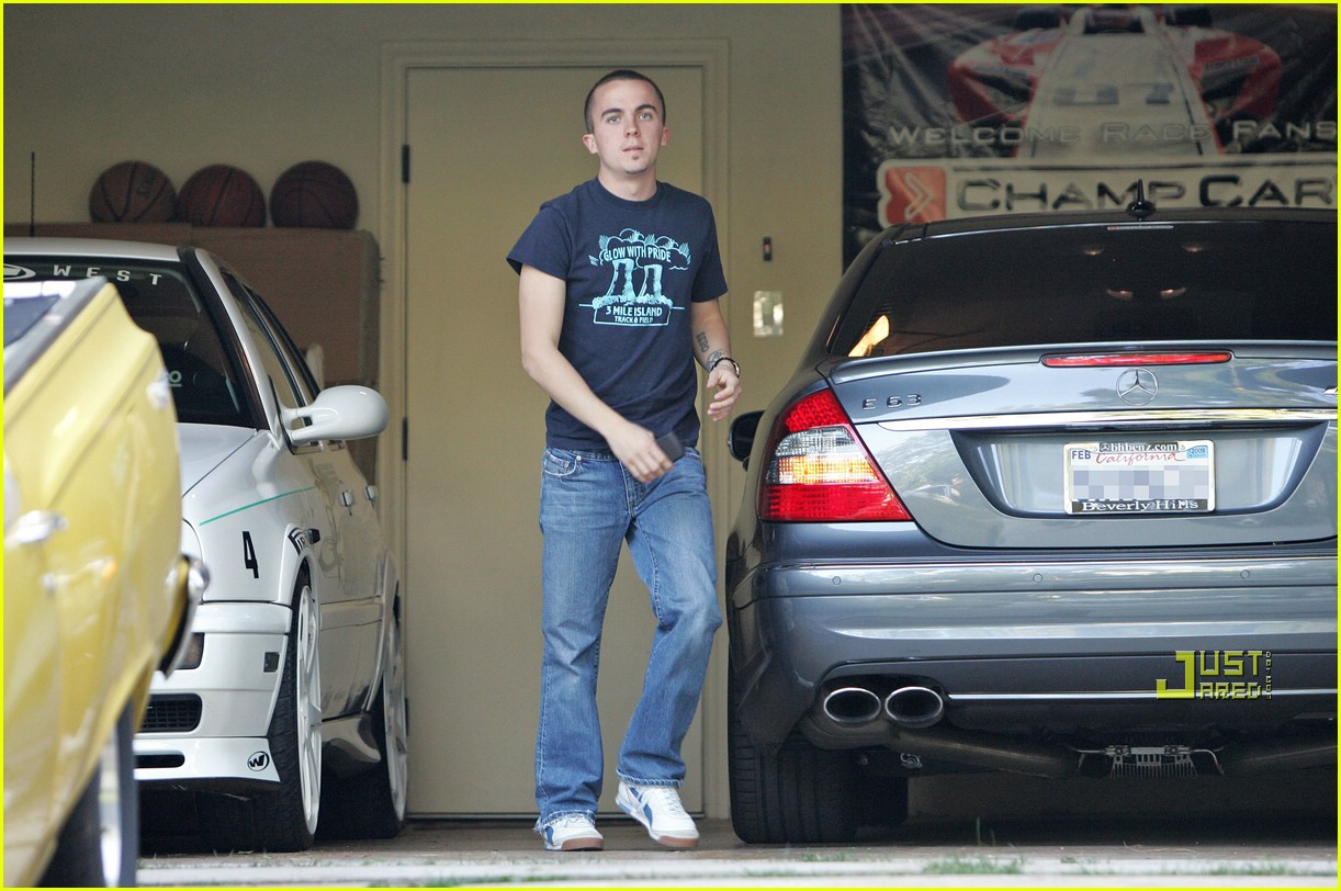 frankie muniz mercedes benz 02939551