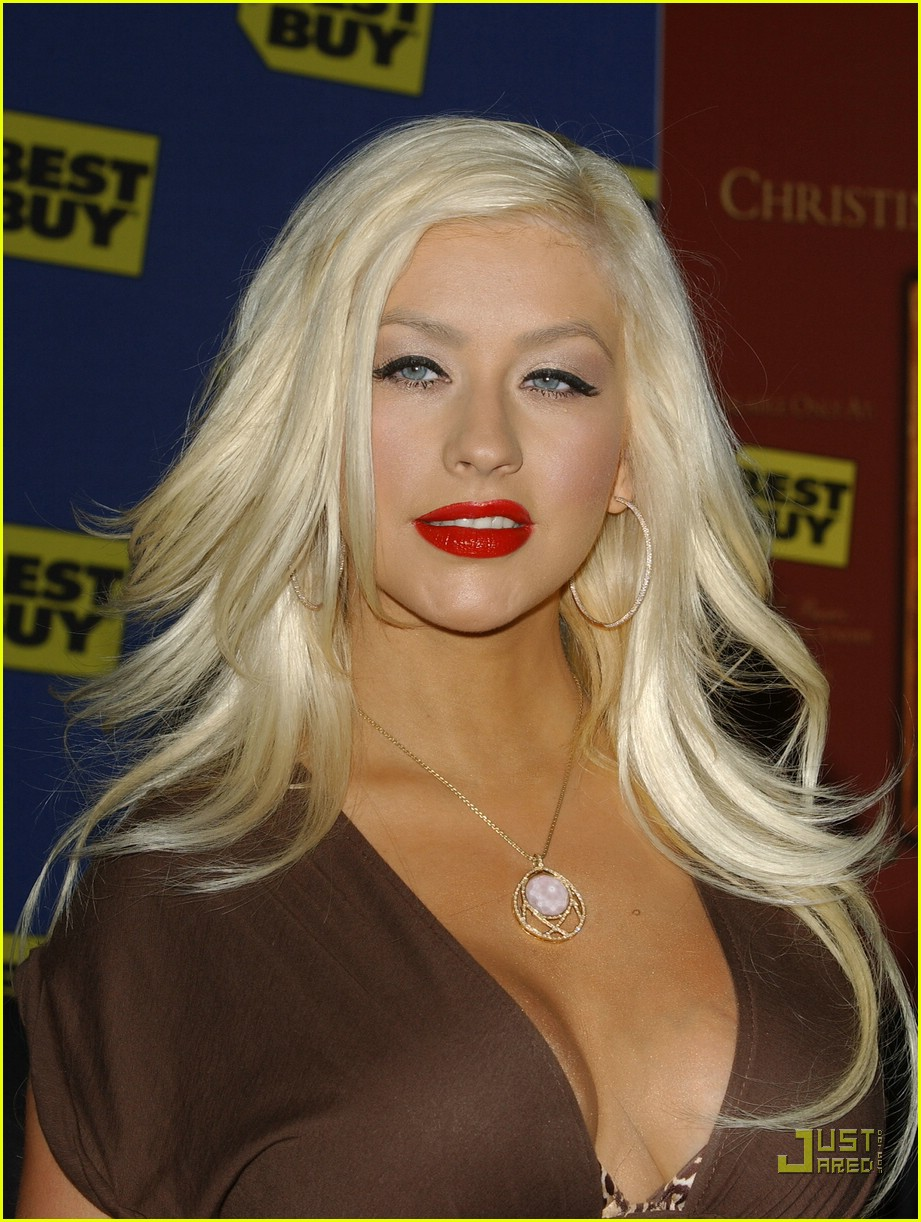 christina aguilera post pregnancy body 21910451