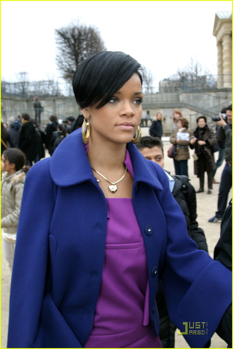 rihanna paris fashion week 07965951