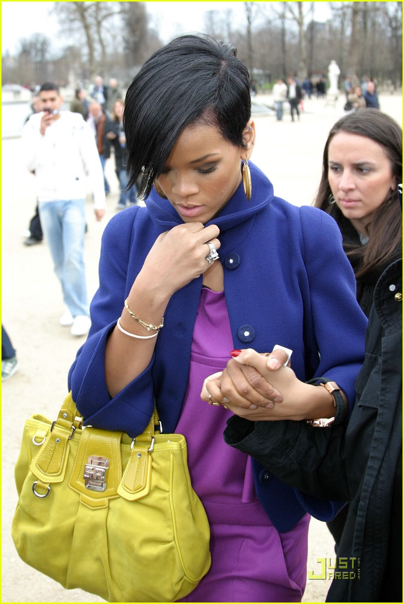 rihanna paris fashion week 08