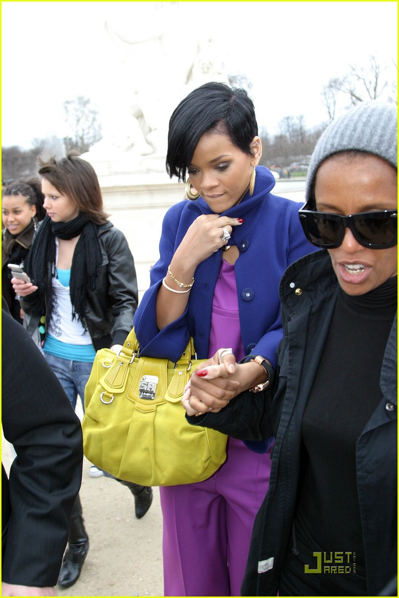 rihanna paris fashion week 09