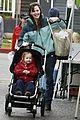 violet affleck farmers market 05