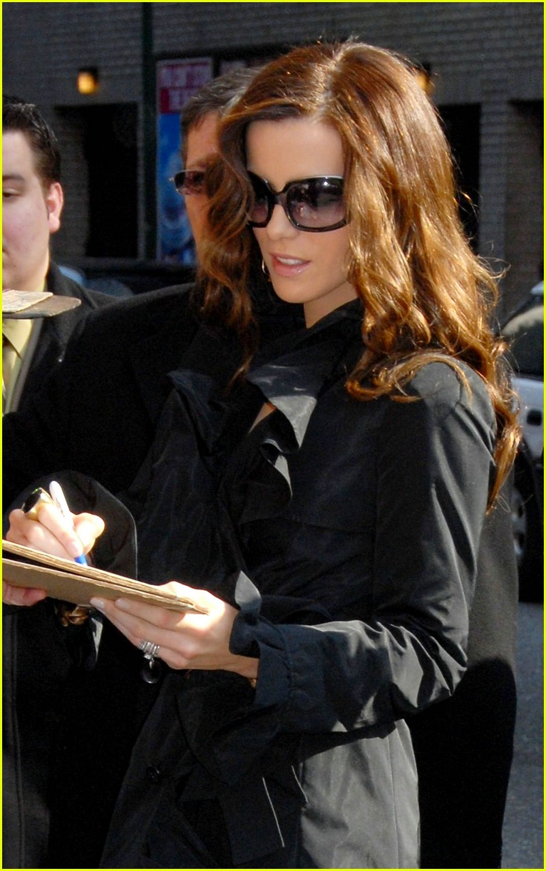 kate beckinsale letterman 25
