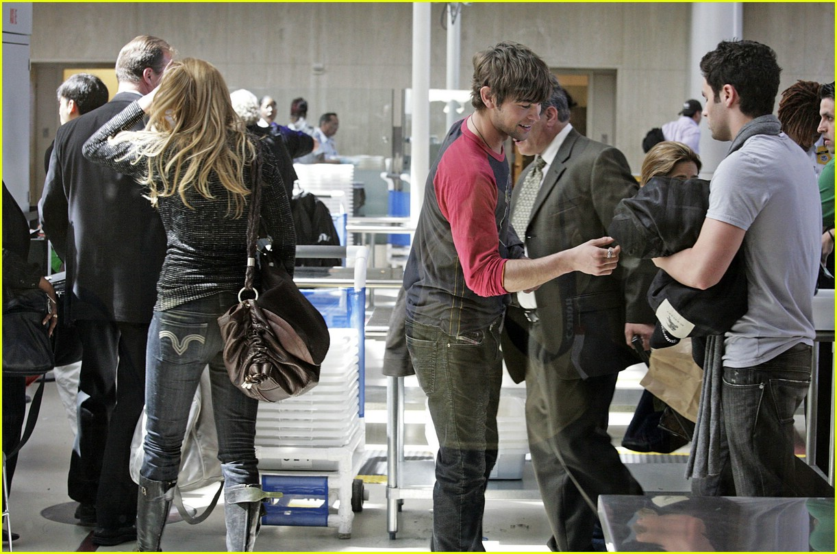chace crawford blake lively lax 03