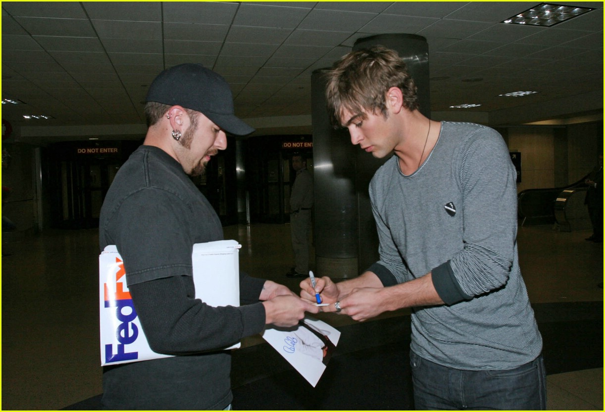 chace crawford phone 031012221