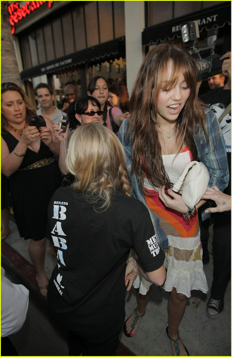 miley cyrus big give 05