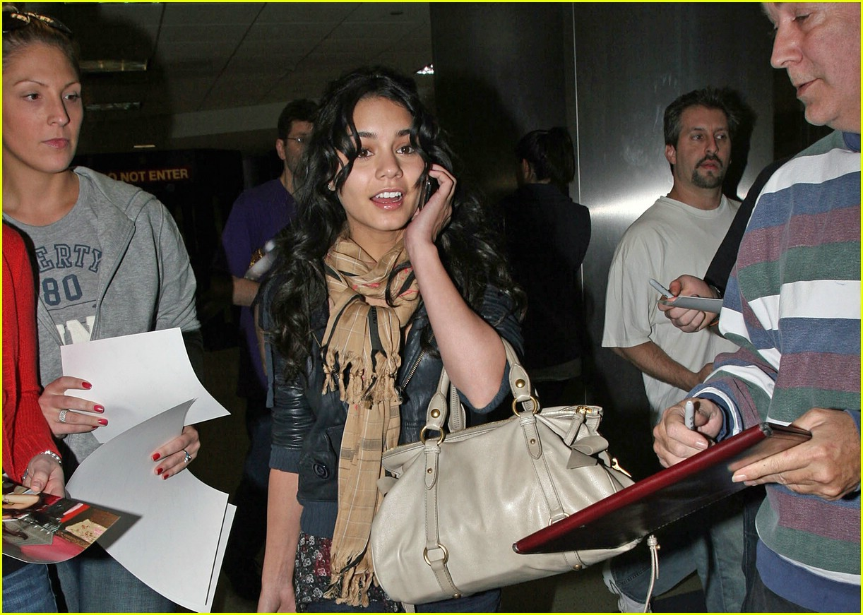 vanessa hudgens lands lax 031012491