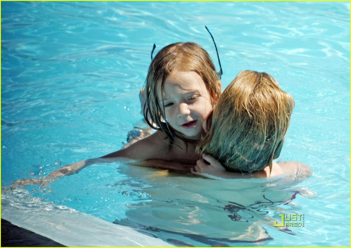 kate hudson ryder pool 13971971