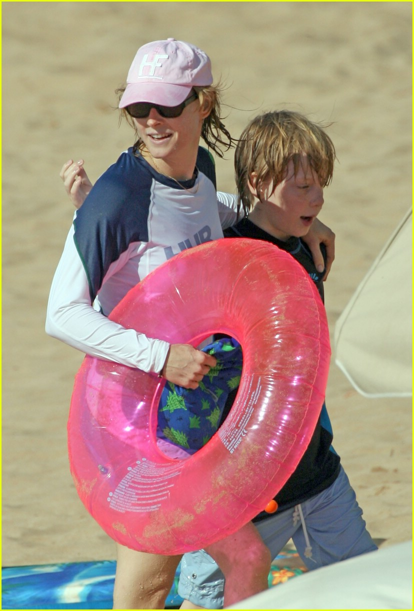 jodie foster easter 04