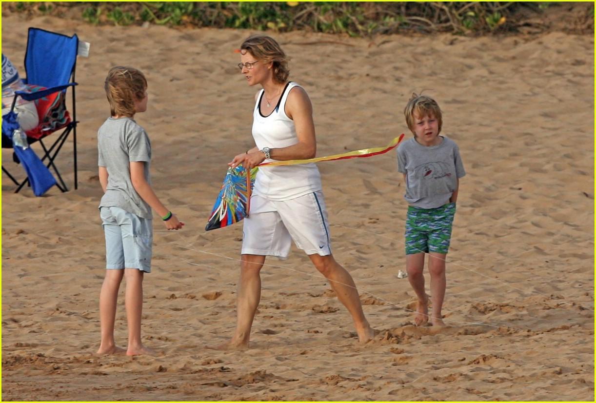 jodie foster kite 30