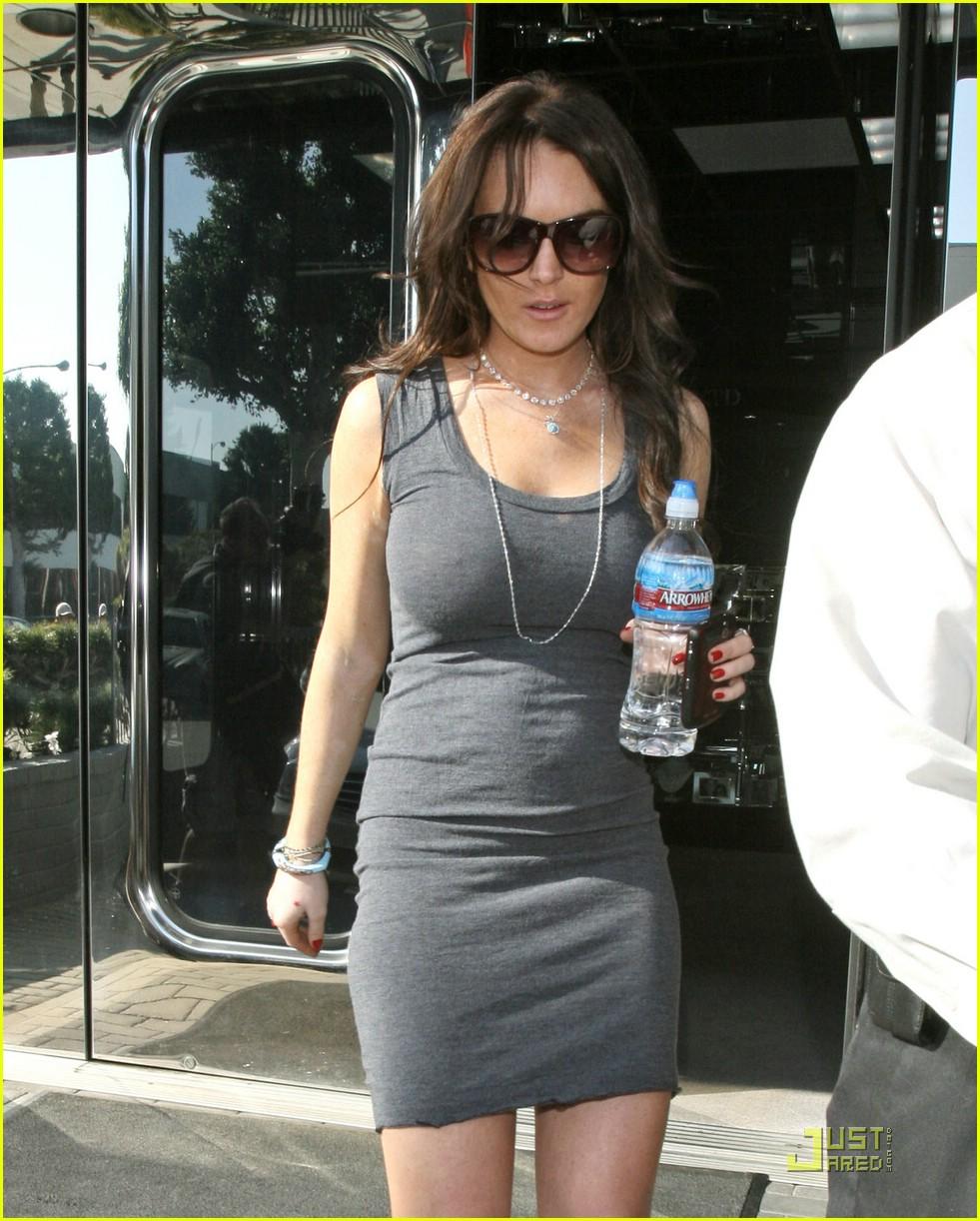 Full Sized Photo of li... Lindsay Lohan 2018