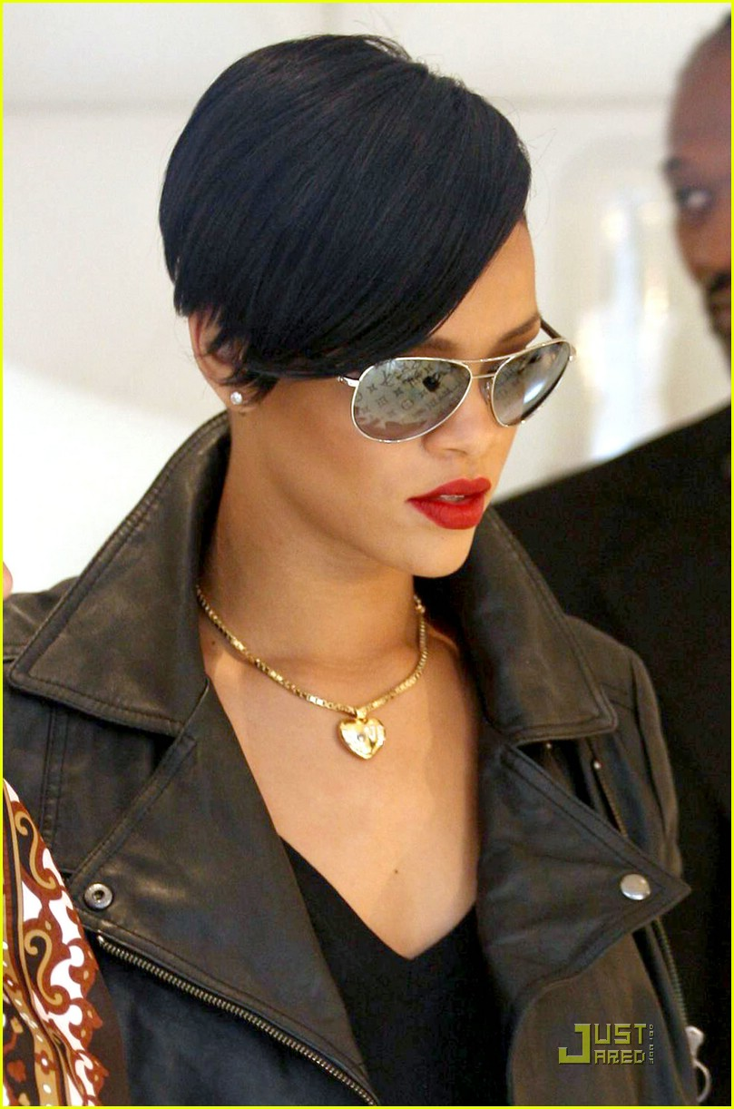 rihanna louis vuitton eyes 06969281