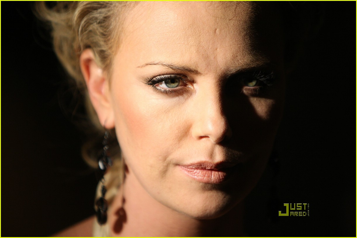 charlize theron sleepwalking premiere new york 27