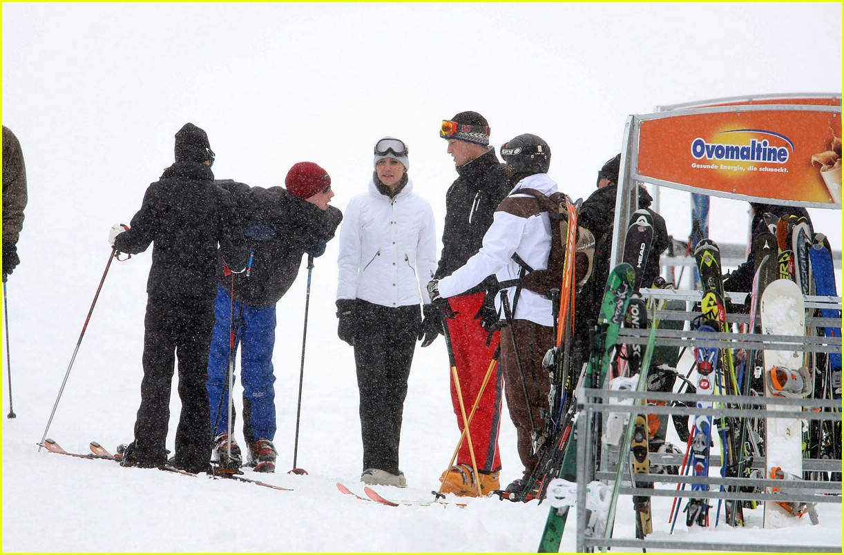 prince william kate middleton skiing 101001241