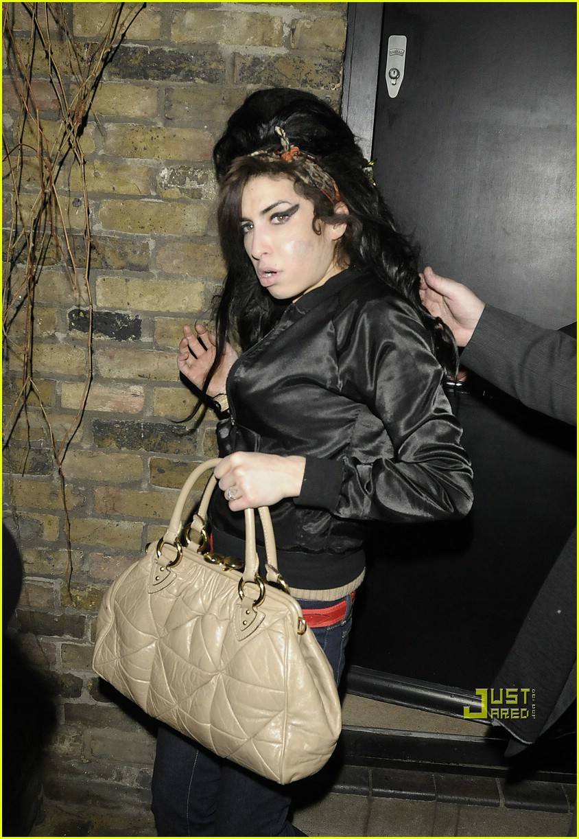 amy winehouse fashion week 02