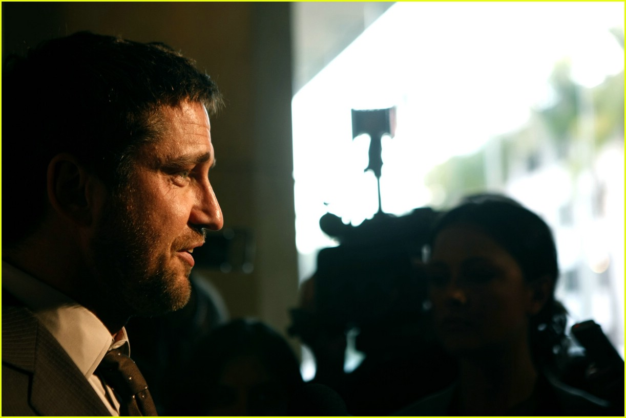 gerard butler salute to youth 03