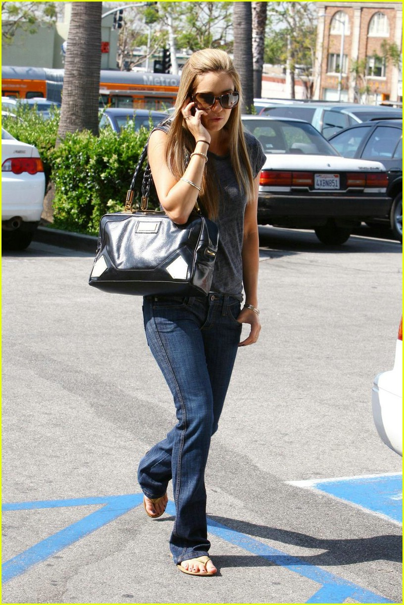 lauren conrad whole foods 01