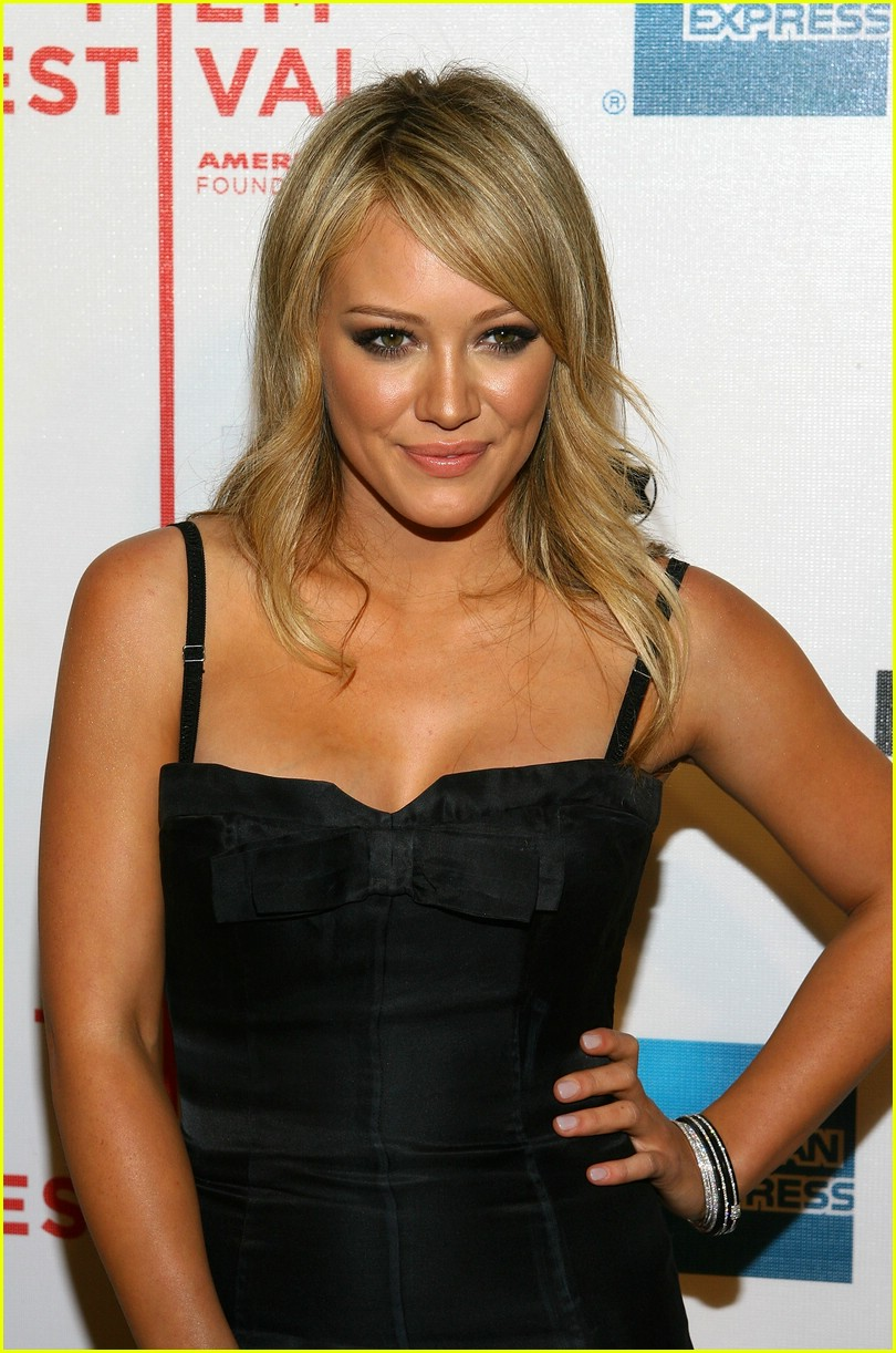 hilary duff war inc 17