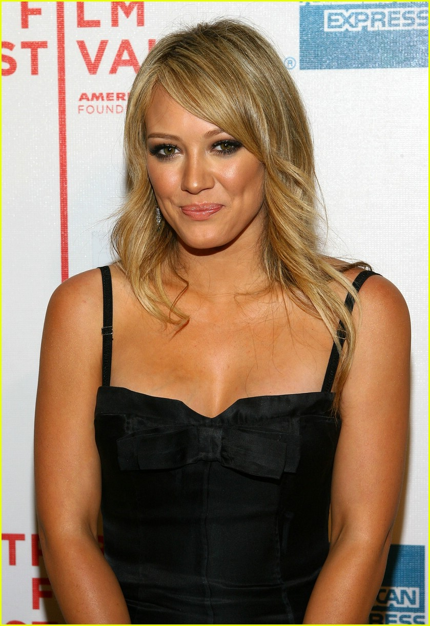 hilary duff war inc 22