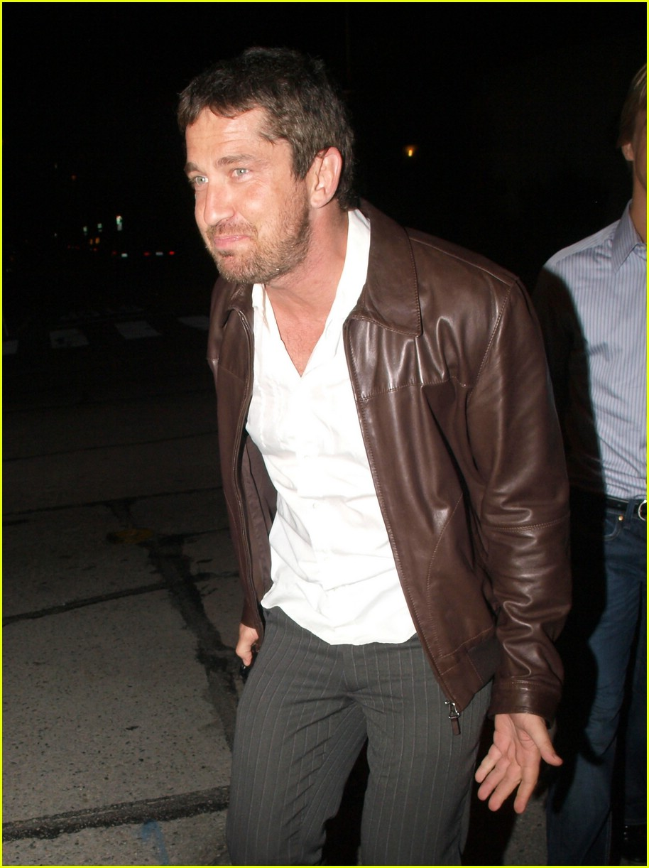Gerard Butler Plays It...