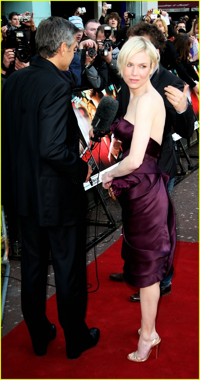 Renee Zellweger: Plum, in the Square, With the Flower ...