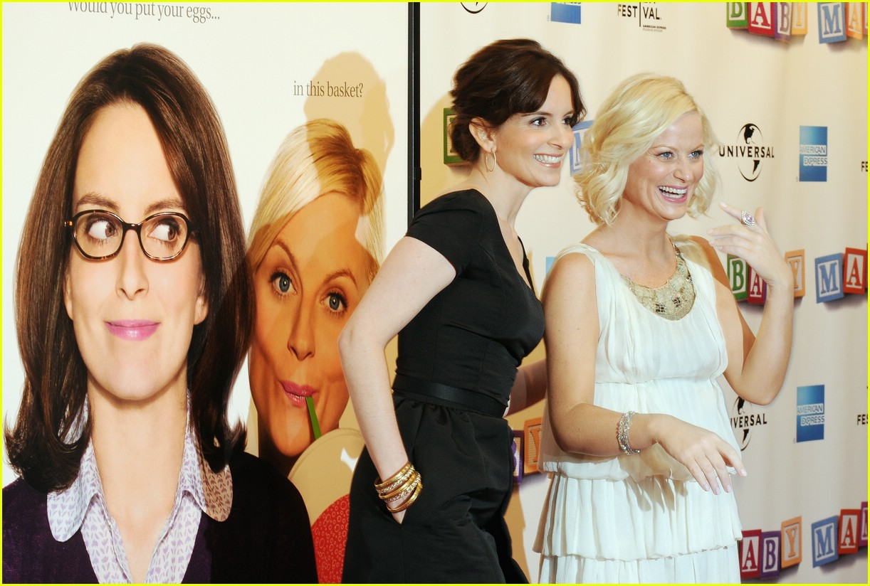 amy poehler pregnant 24