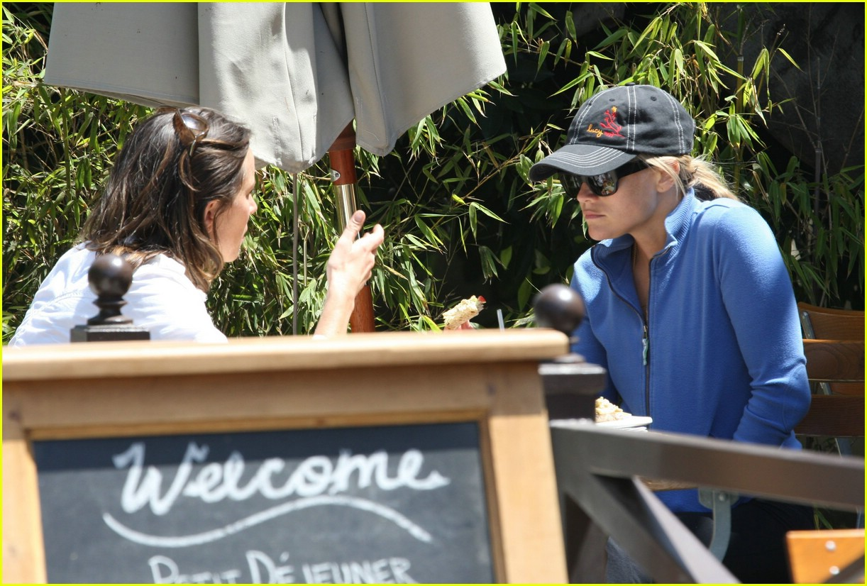 reese witherspoon lunch 061070891