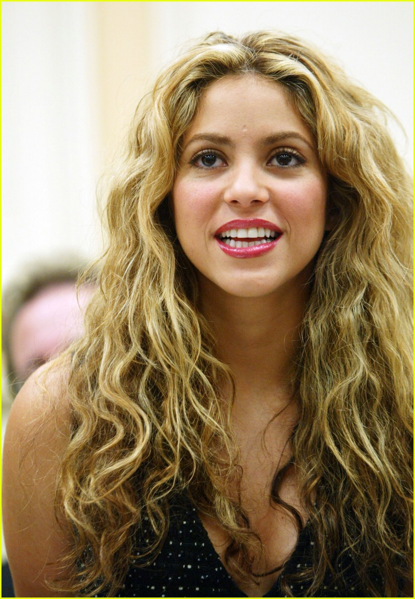 Shakira's Campaign for Education: Photo 1082691 | Shakira ... Shakira