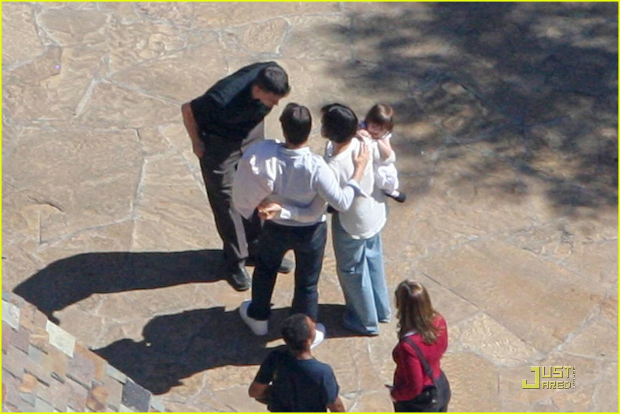 suri cruise birthday party 011075611