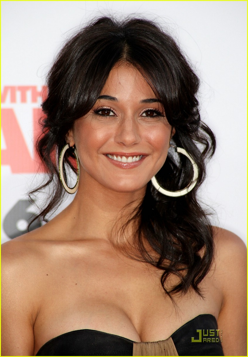 mess with emmanuelle chriqui 011165821