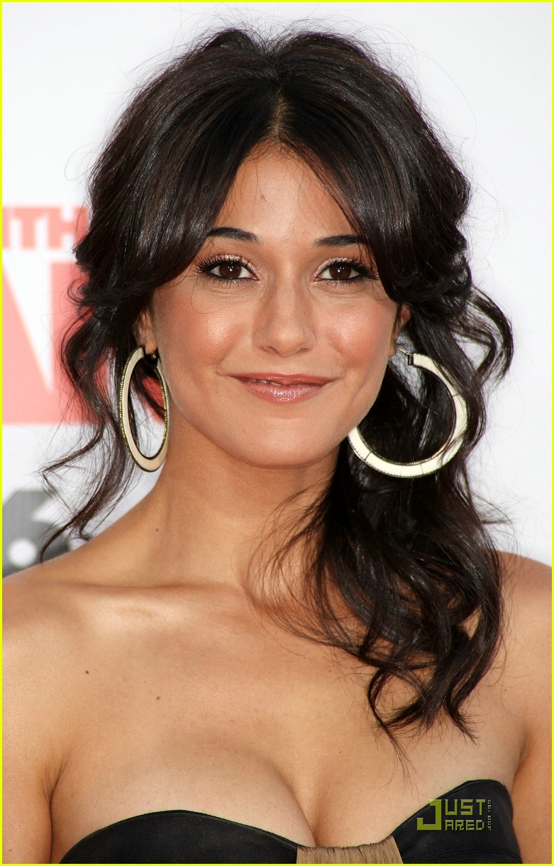 mess with emmanuelle chriqui 101165911