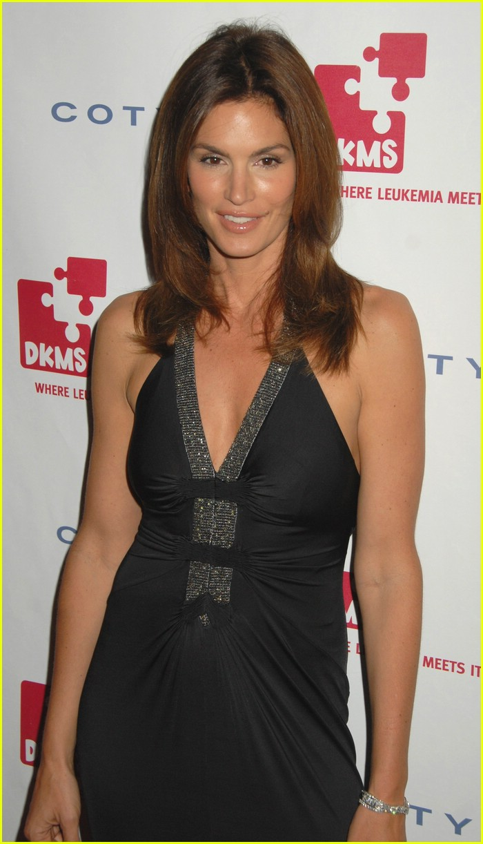 cindy crawford linked against leukemia 09