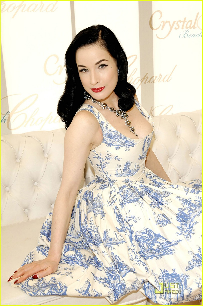 dita von teese amfar cinema against aids 06