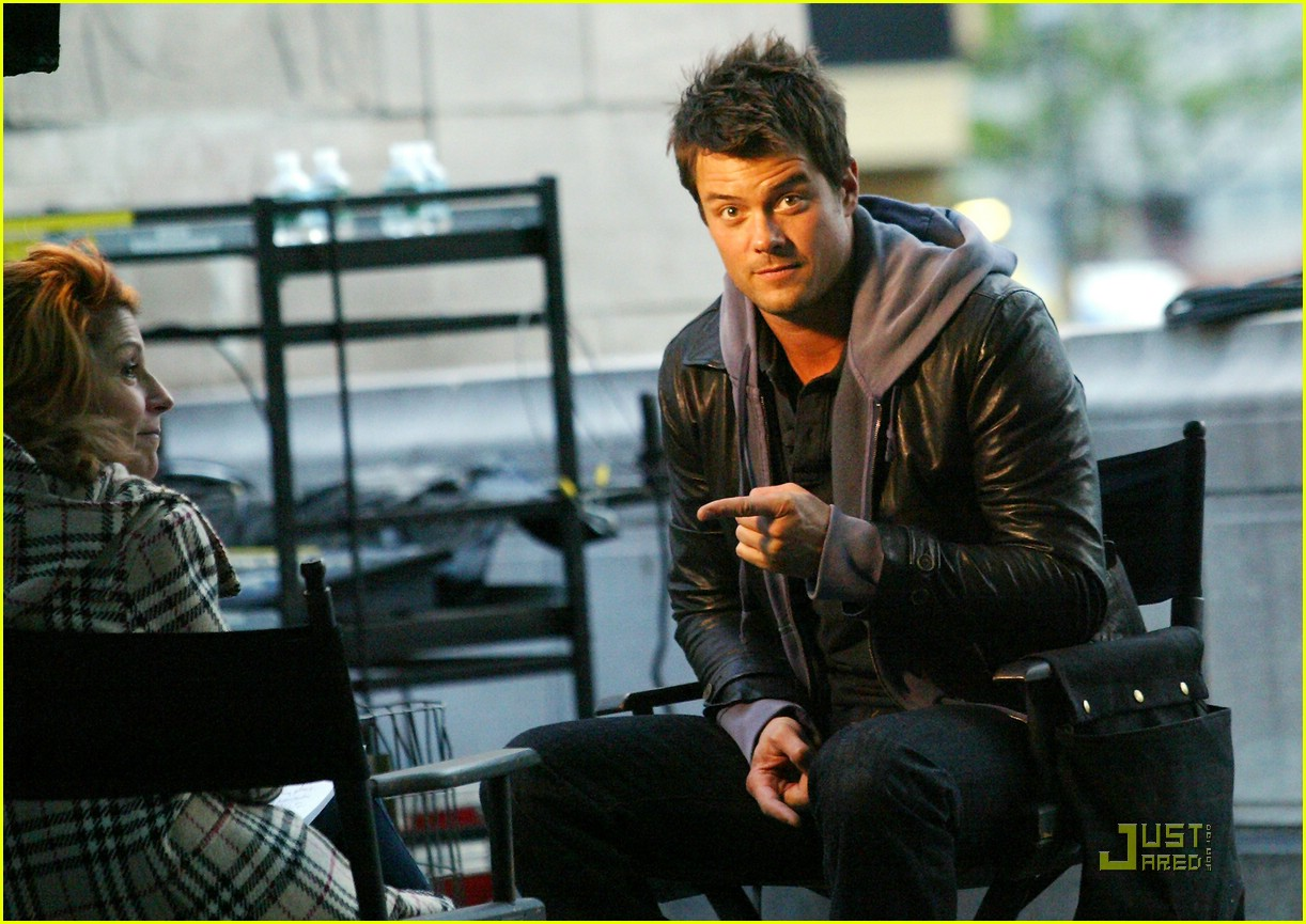 sized photo of josh duhamel when in rome 04 photo