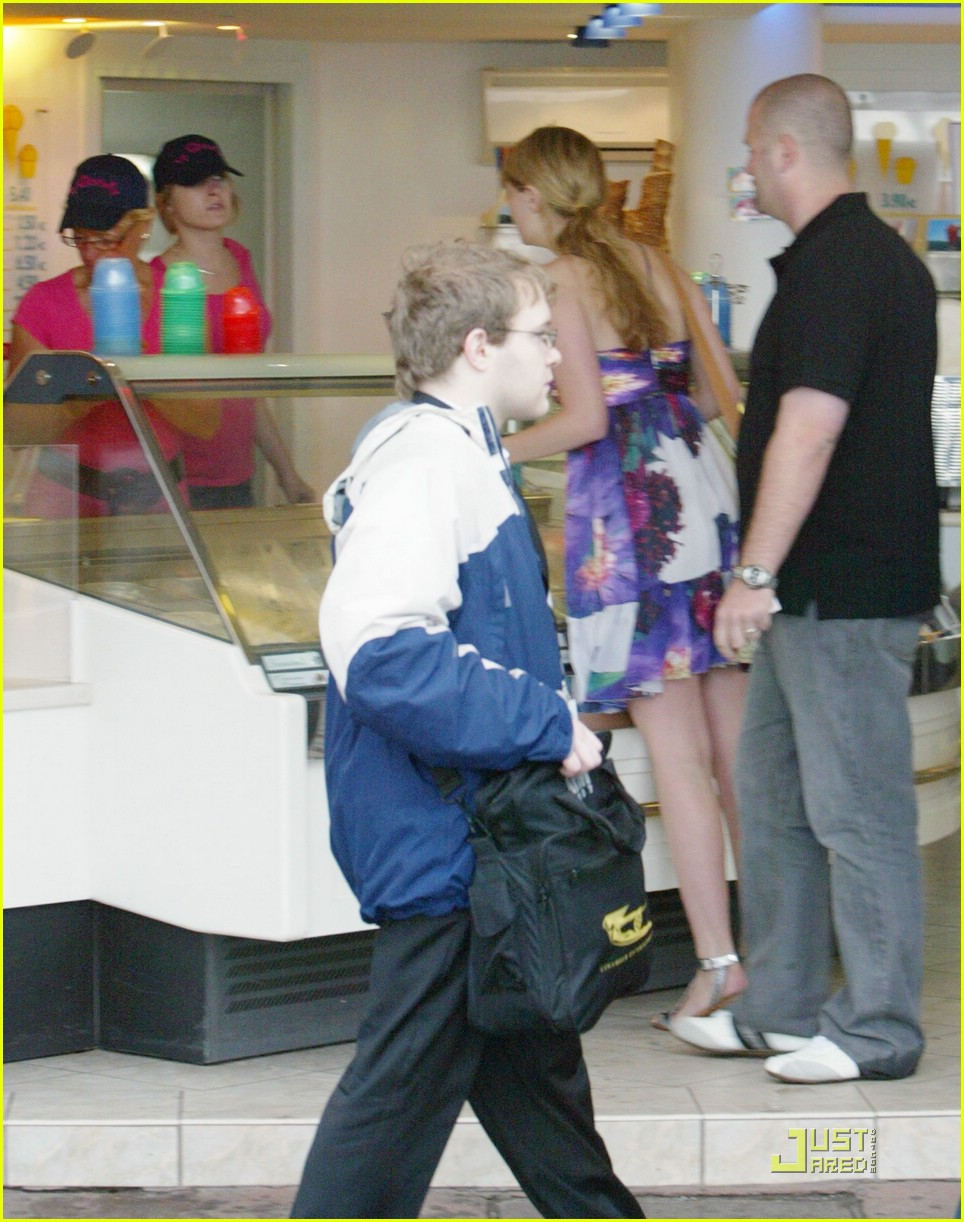 The Assassination of Mischa Barton: Photo 872231 | Mischa Barton ...