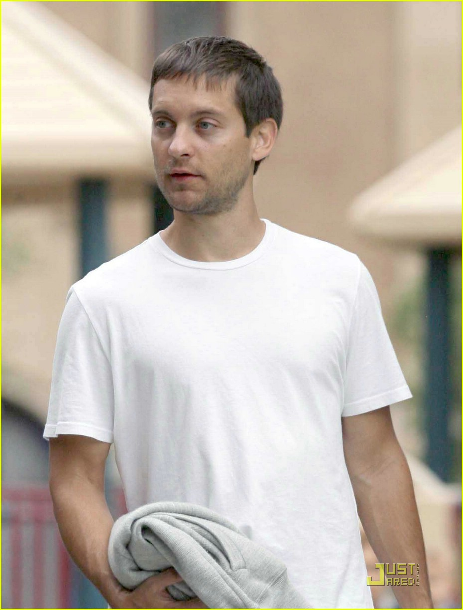 tobey maguire sweetheart sunday 11