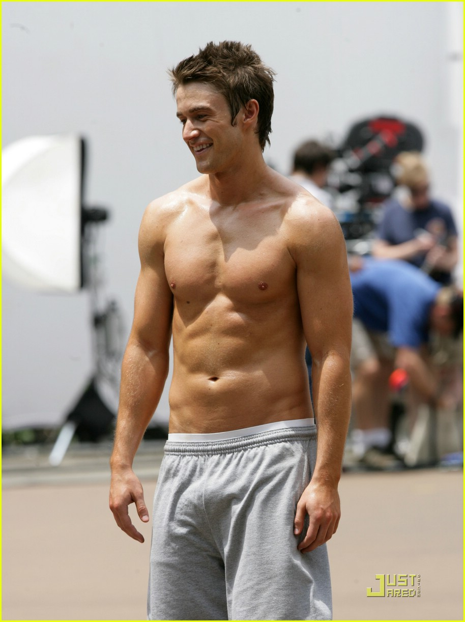 robert buckley hot 031234771