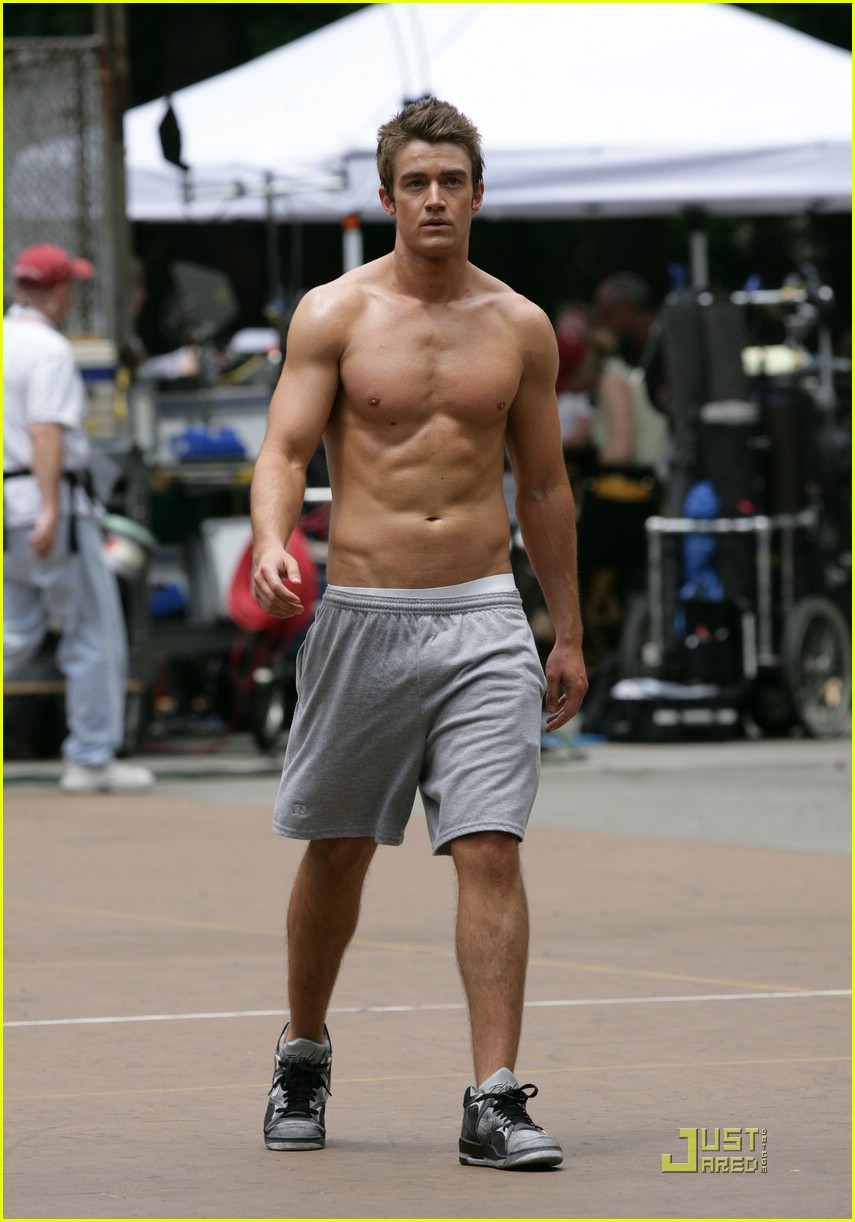 robert buckley hot 10