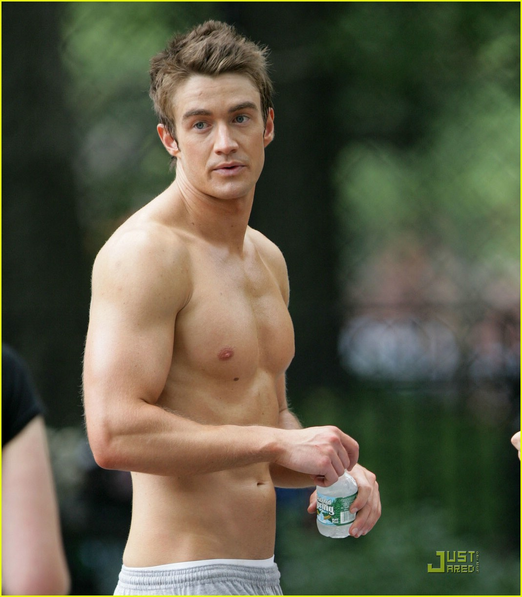 robert buckley hot 15