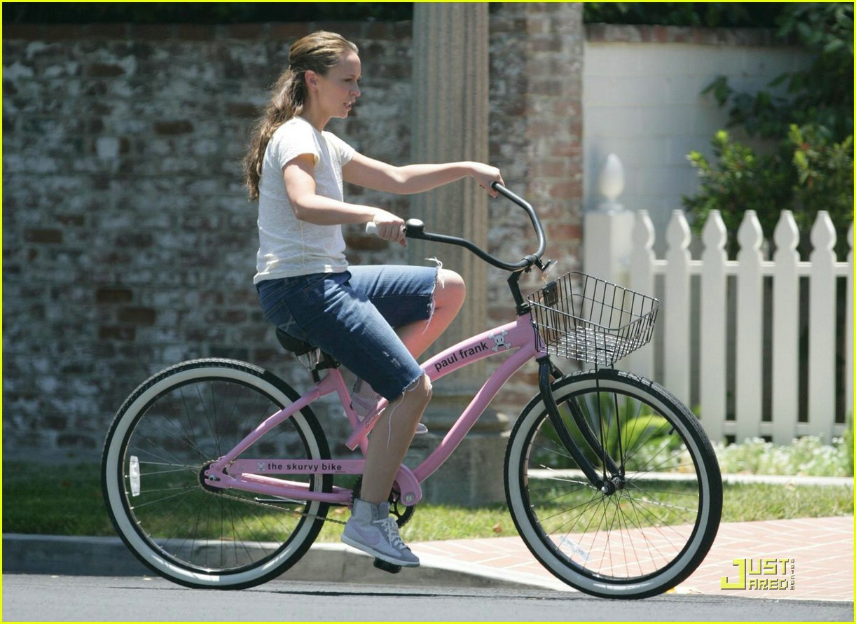 jennifer love hewitt ross mccall bicycle 01